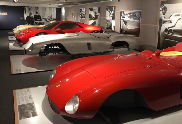 Ferrari Fabriek In Bologna